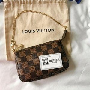 NEW! 2019 France Louis Vuitton Pochette mini bag